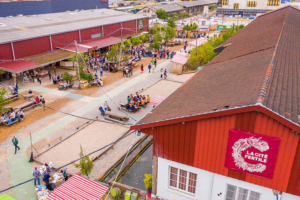 Photo de la Cité Fertile vue de haut en contre plongée